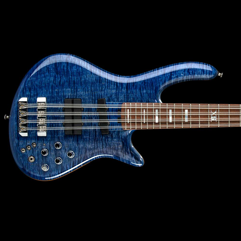 Social media photographer koenig 12 string bass
